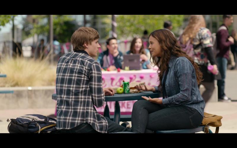 Alisha Boe as Jessica Davis Enjoying Sprite Soda in 13 Reasons Why S04E03 TV Show (2)