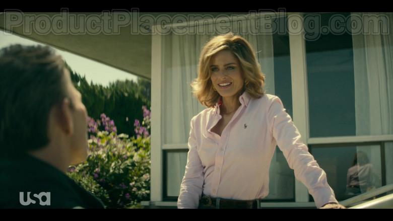Amanda Peet as Betty Broderick Wearing Ralph Lauren Pink Shirt in Dirty John S02E01 TV Show (3)