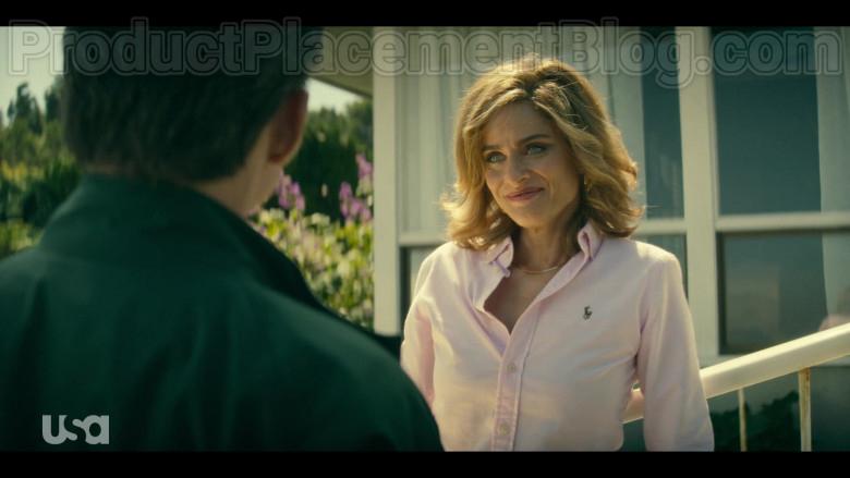 Amanda Peet as Betty Broderick Wearing Ralph Lauren Pink Shirt in Dirty John S02E01 TV Show (4)