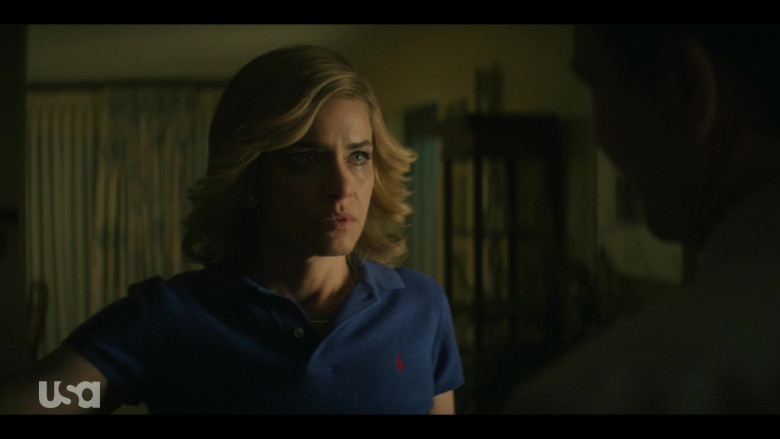 Amanda Peet as Betty Broderick Wears Ralph Lauren Blue Polo Shirt Outfit in Dirty John S02E03 TV Show