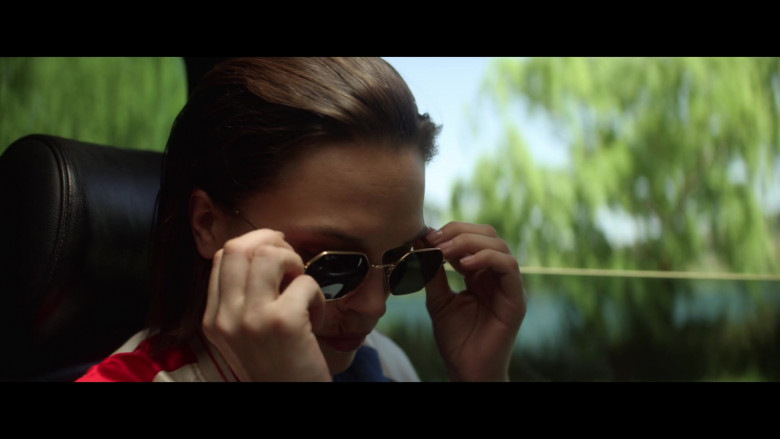 Anna Brewster Wearing Ray-Ban Women's Sunglasses in The Last Days of American Crime 2020 Movie (1)