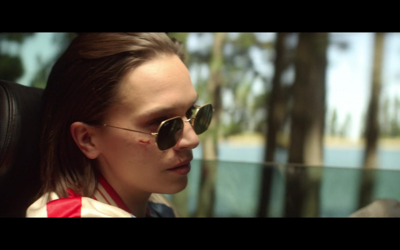Anna Brewster Wearing Ray-Ban Women's Sunglasses in The Last Days of American Crime 2020 Movie (3)