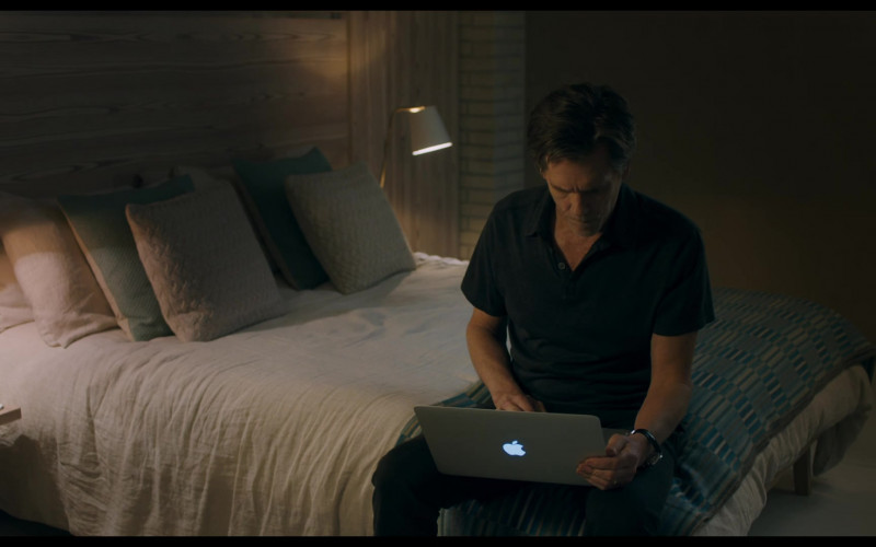 Apple MacBook Air Laptop Used by Kevin Bacon in You Should Have Left Film (1)