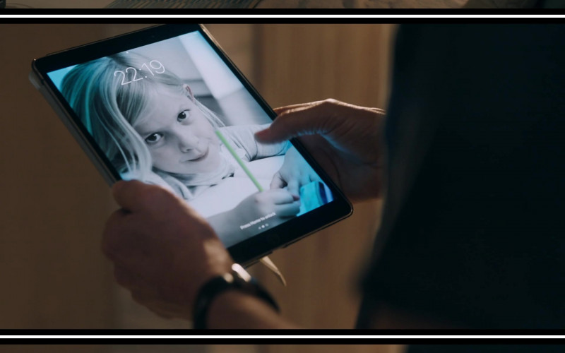 Apple iPad Tablet Used by Kevin Bacon in You Should Have Left (2020)
