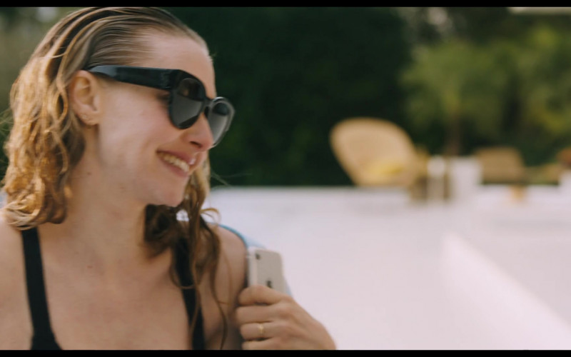 Apple iPhone Smartphone of Amanda Seyfried as Susanna in You Should Have Left Movie (1)