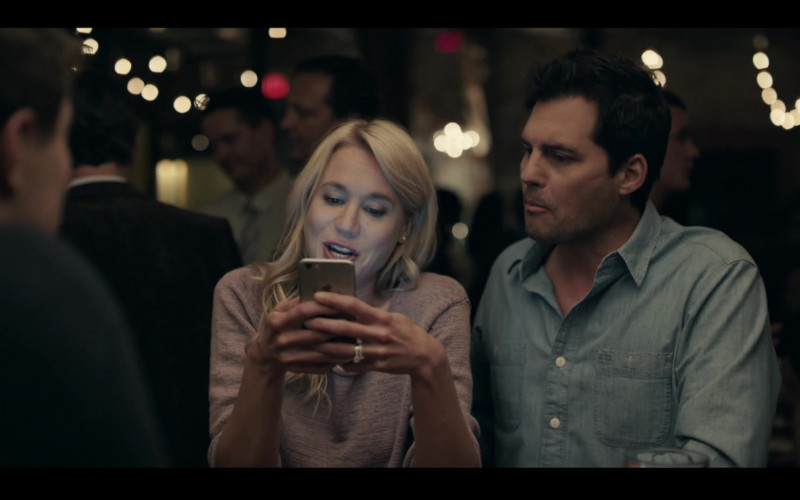 Apple iPhone Used by Kristen Hager in Condor S02E01 Exile Is a Dream (2020)