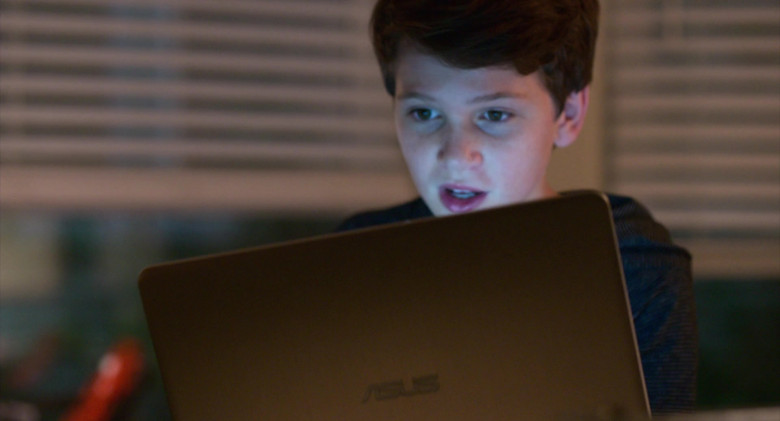 Asus Notebook Used by Gabriel Bateman in Think Like a Dog Movie (2)