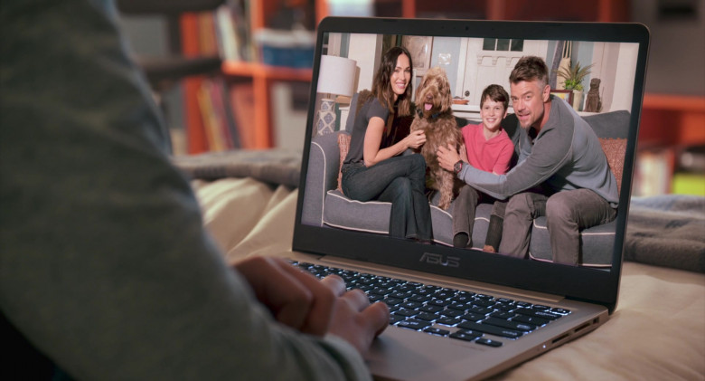 Asus Notebook Used by Gabriel Bateman in Think Like a Dog Movie (4)