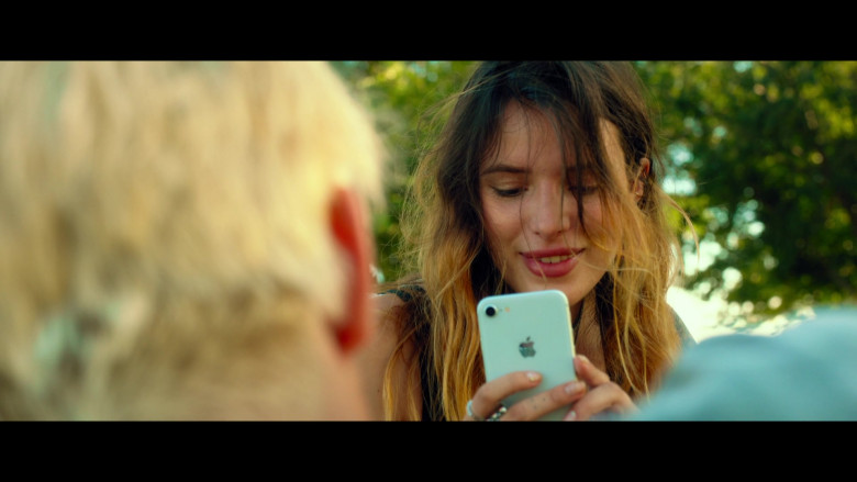Bella Thorne as Arielle Summers Using Apple iPhone Smartphone in Infamous 2020 Movie (3)