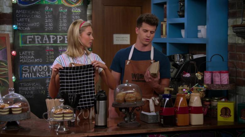 Birba Cookies in Alexa & Katie S04E07 Last Dance (2020)
