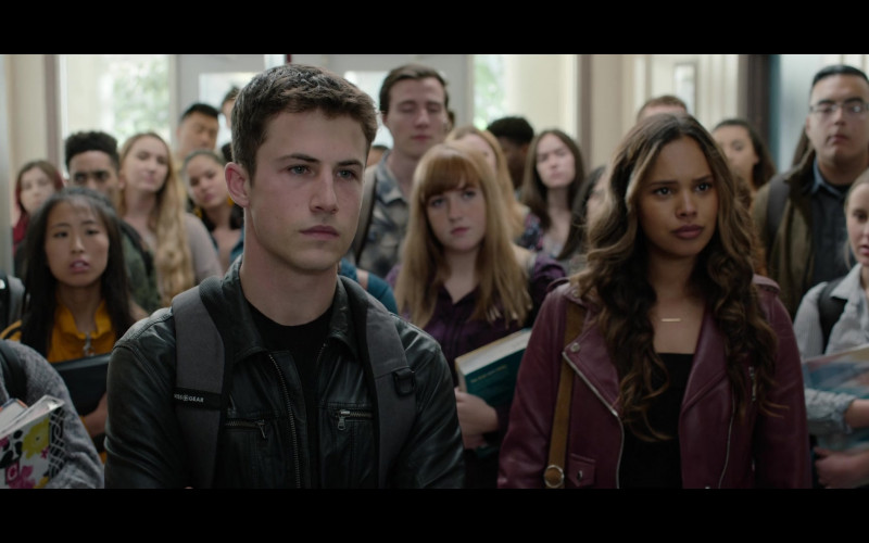 Black Leather Jacket & Swiss Gear Backpack of Dylan Minnette as Clay in 13 Reasons Why S04E08 TV Series (1)