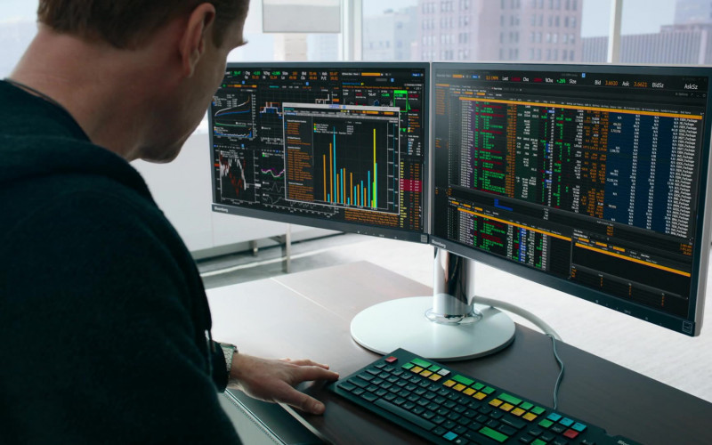 Bloomberg Terminals Used by Damian Lewis as Bobby Axelrod In Billions S05E07 (1)