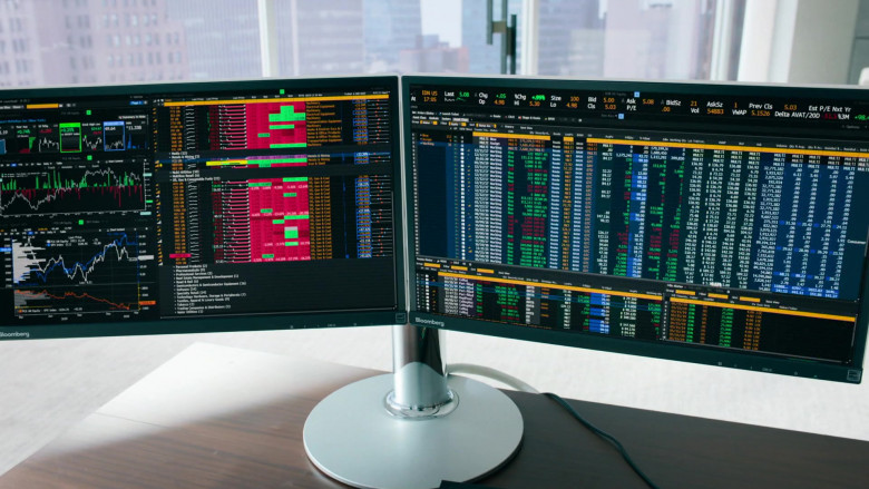 Bloomberg Terminals Used by Damian Lewis as Bobby Axelrod In Billions S05E07 (3)