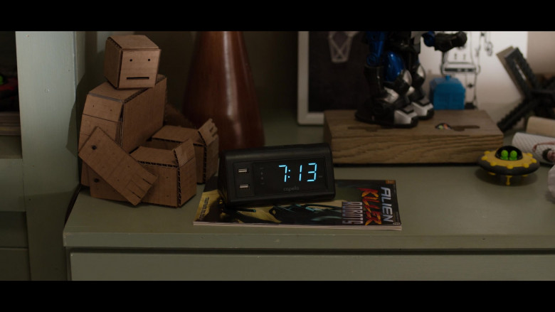 Capello Double Charge Clock in 13 Reasons Why S04E02 College Tour (2020)