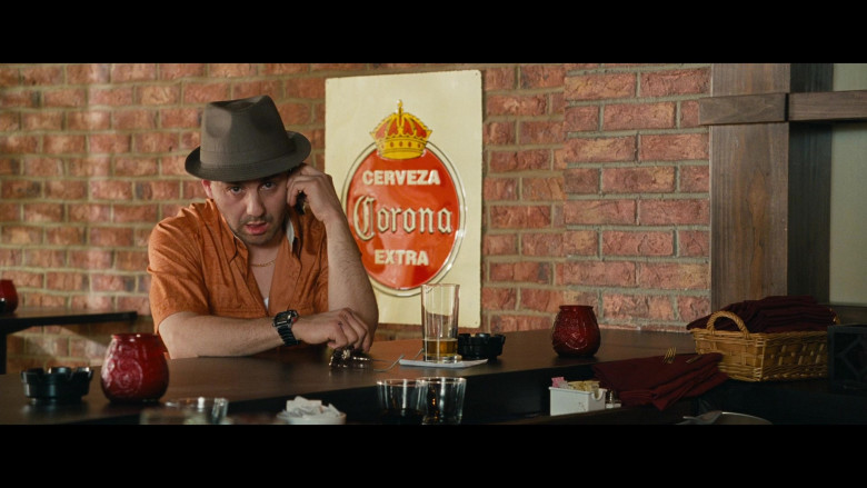 Cerveza Corona Extra Beer Sign in Big Mommas Like Father, Like Son (2011)
