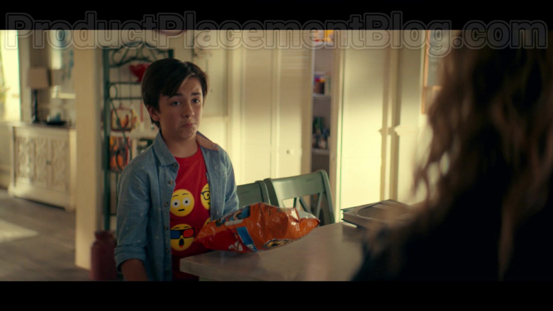 Cheetos Snack in Stargirl S01E03 Icicle (1)