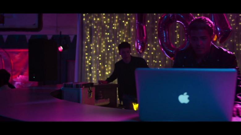 Christian Navarro as Tony Padilla Using Apple MacBook Laptop in 13 Reasons Why S04E03 TV Show