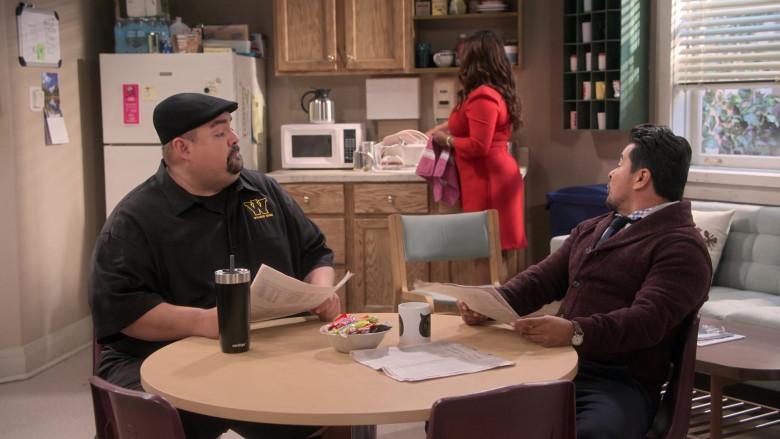 Contigo Mug of Gabriel Iglesias in Mr. Iglesias S02E03 (2)