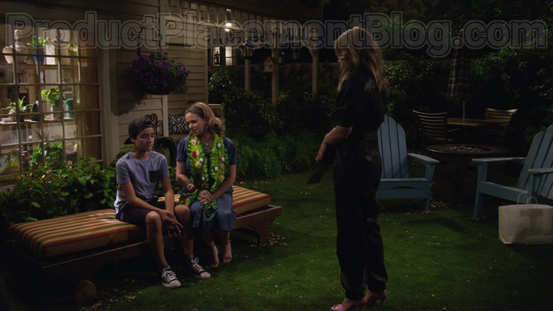 Elias Harger as Max Wearing Converse All Star Classic Shoes in Fuller House S05E14 TV Show (3)