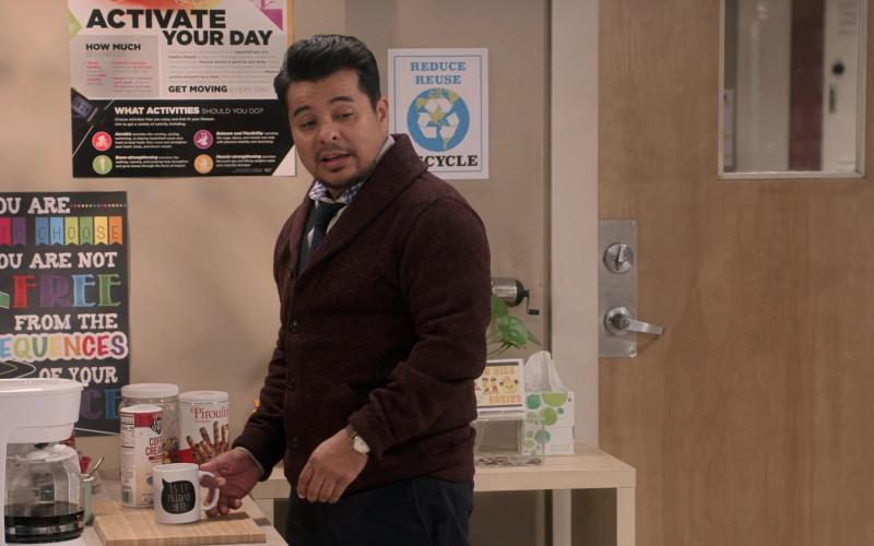 First Street Coffee Creamer in Mr. Iglesias S02E03