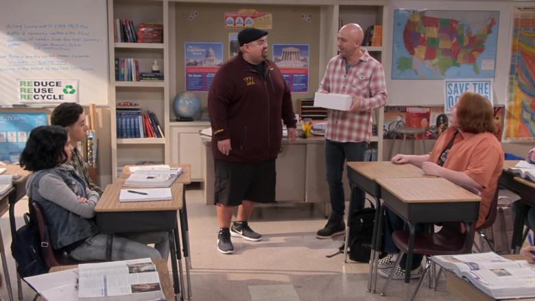 Gabriel Iglesias Wears Nike Sneakers in Mr. Iglesias S02E05 TV Show by Netflix (2)