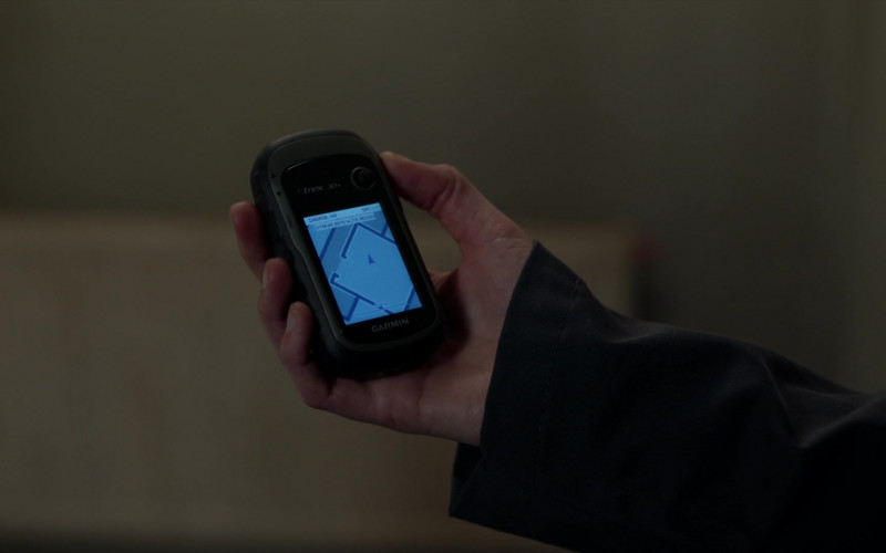 Garmin Handheld GPS Navigator in Blindspot S05E06 Fire & Brimstone (2020)