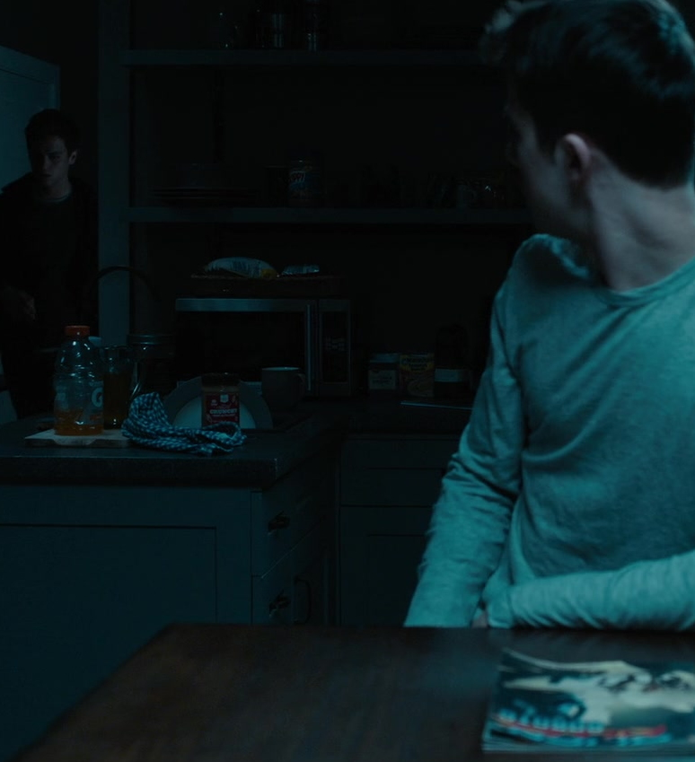 Gatorade Bottle in 13 Reasons Why S04E08 AcceptanceRejection (2020)
