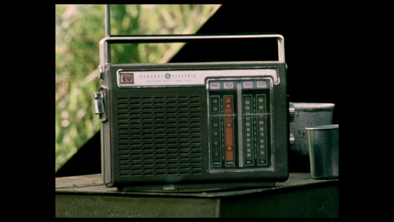 General Electric Radio in Da 5 Bloods (2020)