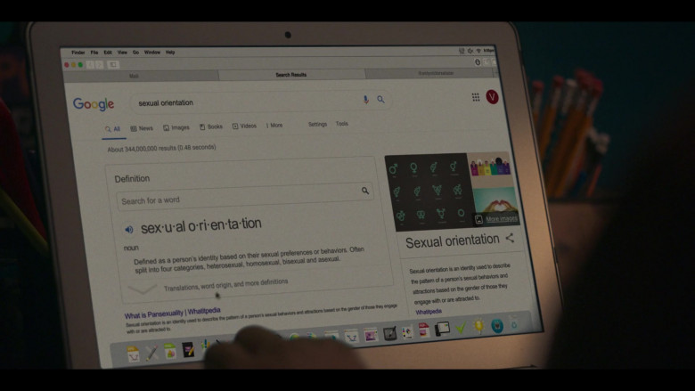 Google Website in Love, Victor S01E03 Battle of the Bands (2020)