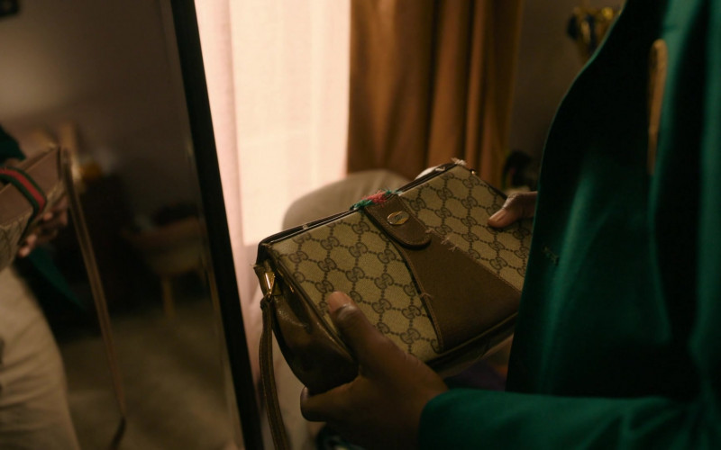 Gucci Sling Bag (1)