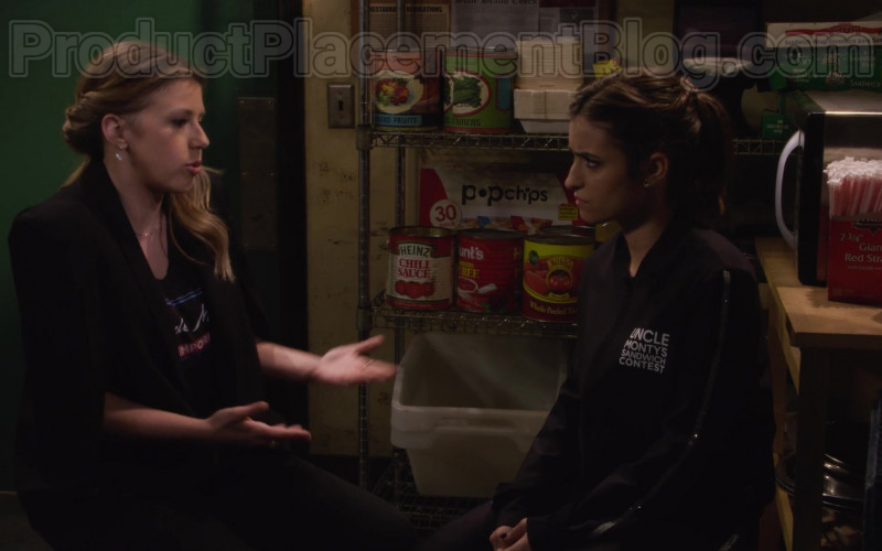 Heinz Chili Sauce & Hunt's Tomato Puree in Fuller House S05E14 Netflix's TV Series