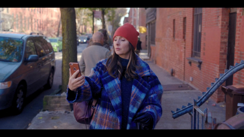 Hope Davis Using Apple iPhone Smartphone in Love Life S01E07 HBO Max TV Show (3)