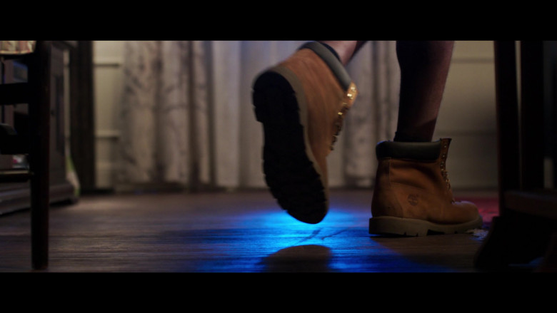 Jay Pharoah Wears Timberland Boots in 2 Minutes of Fame 2020 Movie (1)