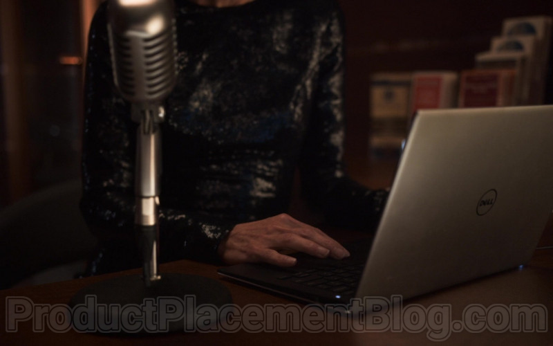 Jennifer Connelly as Melanie Cavill Using Dell Notebook in Snowpiercer S01E03 TV Series