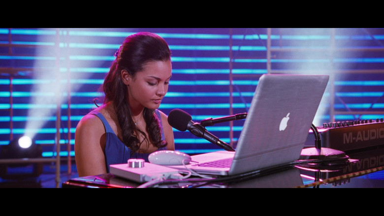 Jessica Lucas as Haley Using Apple MacBook Laptop in Big Mommas Like Father, Like Son Film