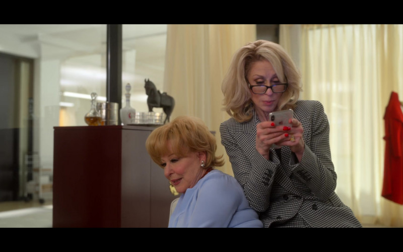 Judith Light as Dede Standish Using Apple iPhone Smartphone in The Politician Season 2 Episode 2 TV Show