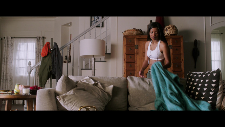 Keke Palmer Wears Nike White Sports Bra Outfit in 2 Minutes of Fame Movie (1)