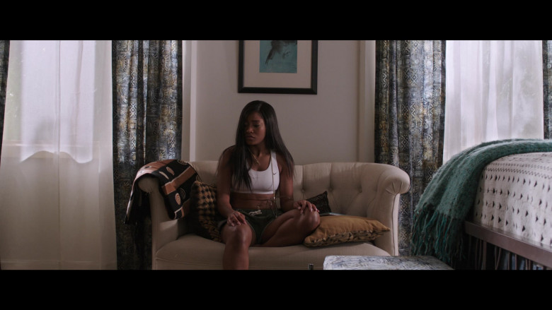 Keke Palmer Wears Nike White Sports Bra Outfit in 2 Minutes of Fame Movie (4)