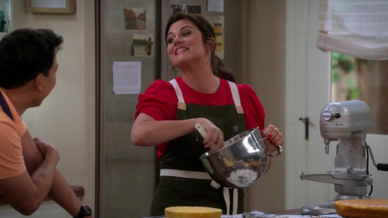 KitchenAid Stand Mixer Used by Tiffani Thiessen as Lori in Alexa & Katie S04E06 (2)
