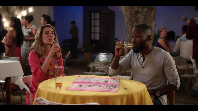 Lamorne Morris as Sean Drinks Corona Beer in Desperados 2020 Netflix Comedy Movie (2)