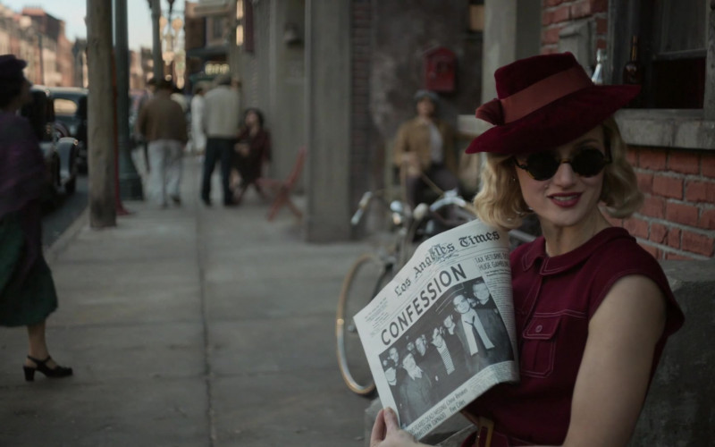 Los Angeles Times Newspaper Held by Kerry Bishé as Sister Molly Finnister in Penny Dreadful City of Angels S01E07
