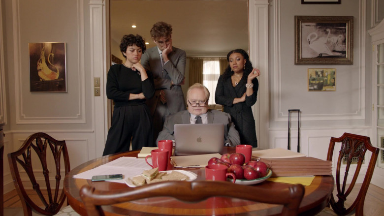 Louie Anderson Using Apple MacBook Pro Laptop in Search Party Season 3 TV Show (1)