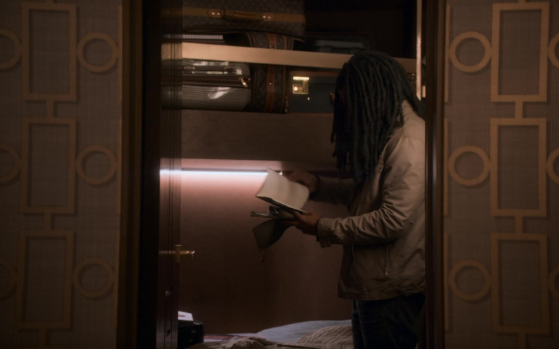 Louis Vuitton Luggage and Bags in Snowpiercer S01E04 TV Show (1)