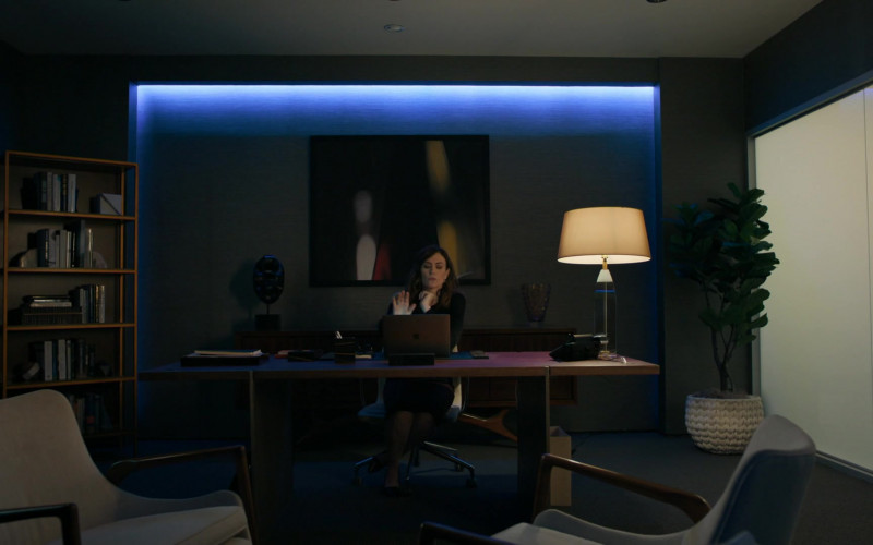 Maggie Siff as Wendy Rhoades Using Apple MacBook Laptop in Billions S05E06 TV Series