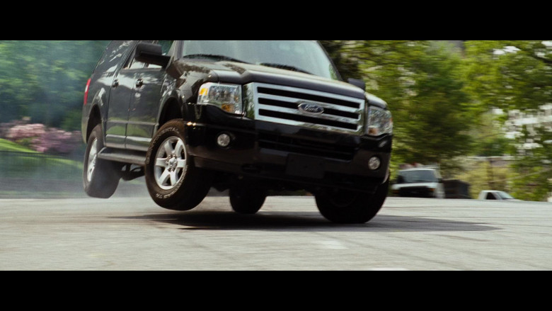Martin Lawrence Driving Ford Expedition EL Gen.3 Car (1)