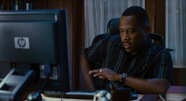 Martin Lawrence Using Hewlett-Packard Monitor in Big Momma's House 2 Movie (1)