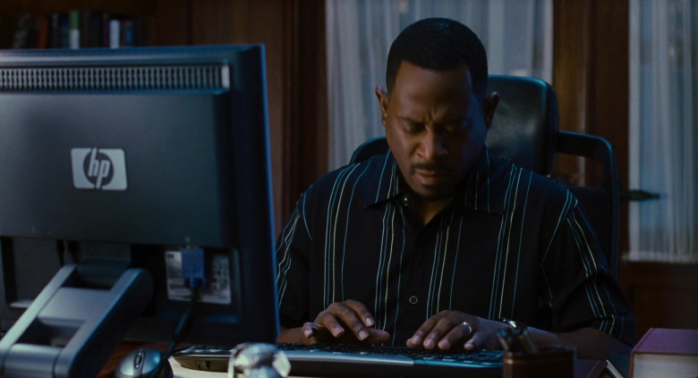 Martin Lawrence Using Hewlett-Packard Monitor in Big Momma's House 2 Movie (3)