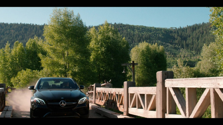 Mercedes-Benz Black Car in Yellowstone S03E01