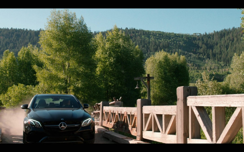 Mercedes-Benz Black Car in Yellowstone S03E01