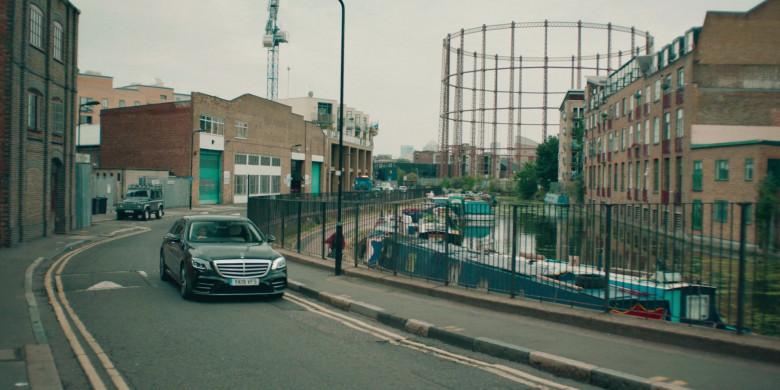 Mercedes-Benz S-Class Car in Alex Rider S01E01 (1)